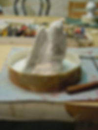 moule en élastomère d'une petite sculpture en argile