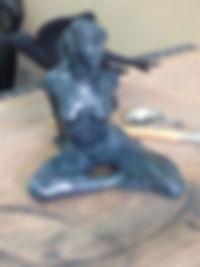 sculpture en bronze patinée et terminée