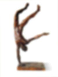 sculpture en bronze d'un équilibriste sur une main. tirage 1/8