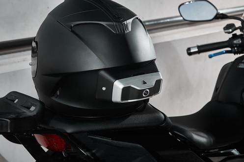 Smart motorcycle helmet HUD