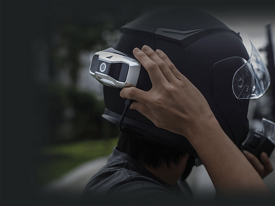 Smart motorcycle helmet HUD