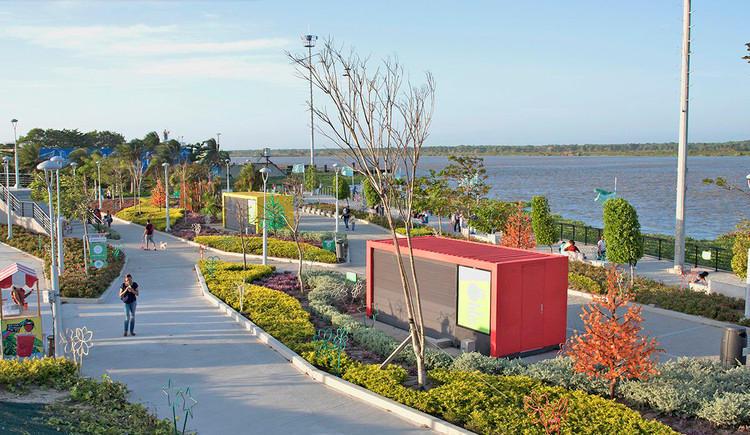 Barranquilla-malecon.jpg