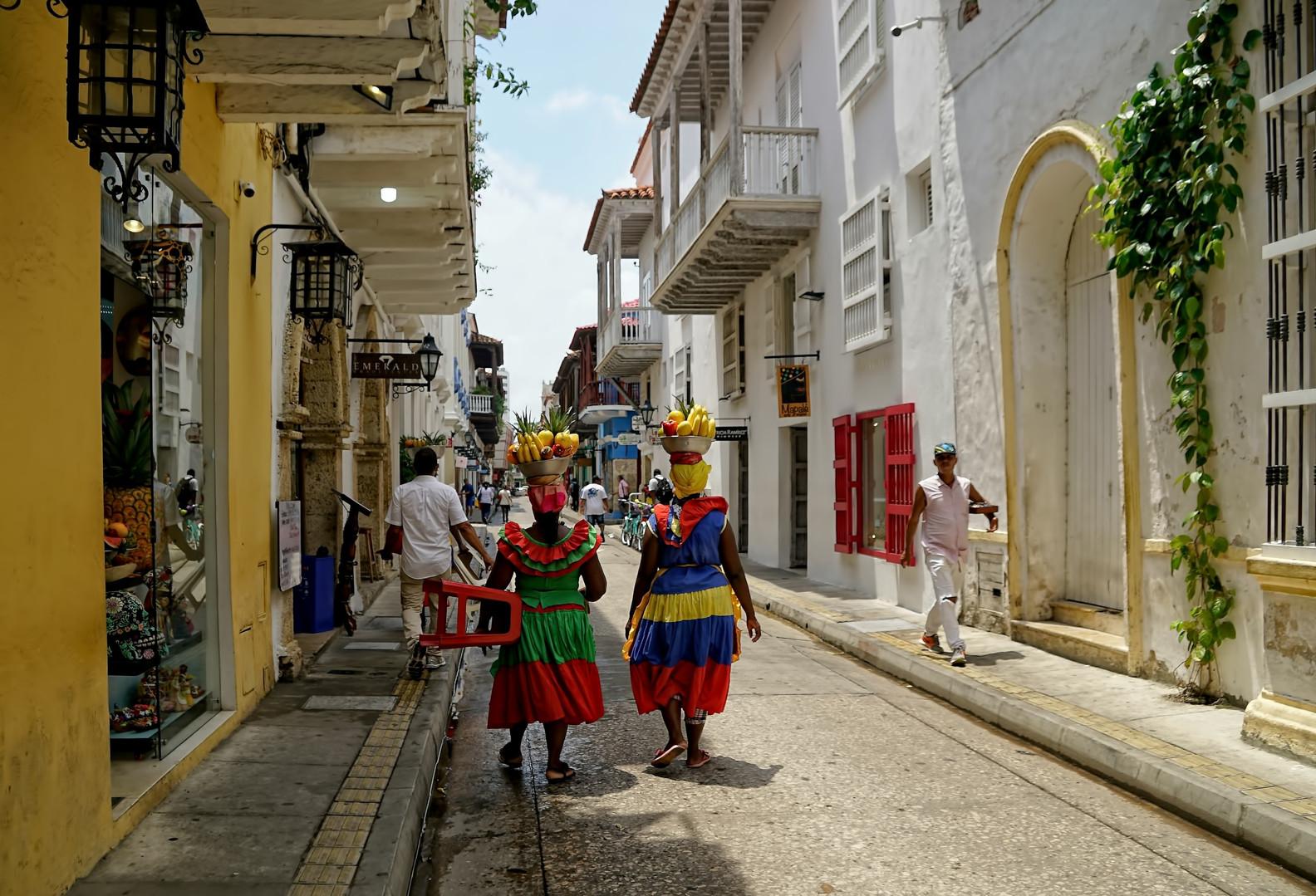 Cartagena%20ladies%20459_edited.jpg