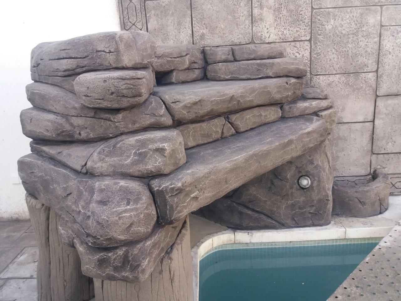 cascada piscina imitacion piedra