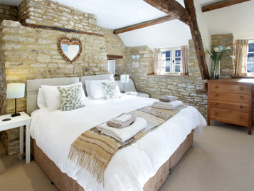 9 FAQs when visiting The Cotswolds