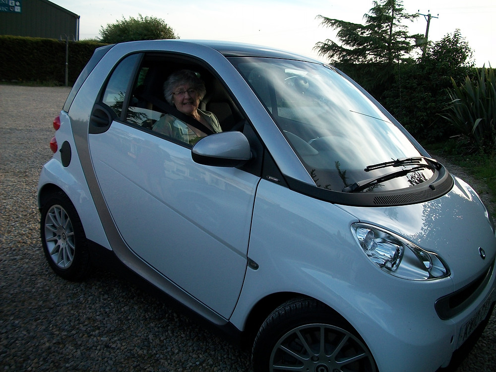 Mum in her Smart Car