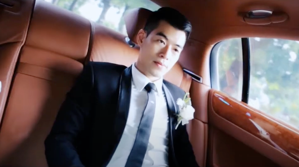 Tuấn cam trong lễ cưới