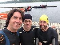 Nage en eau libre. Steve Judge Gold medallist Triathlon paralympics, Xavier & Carl entraineurs