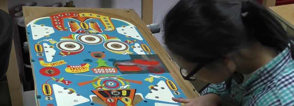 Genco 1958 Fun-Fair playfield restoration by Pinball Dreams in Saarbrucken