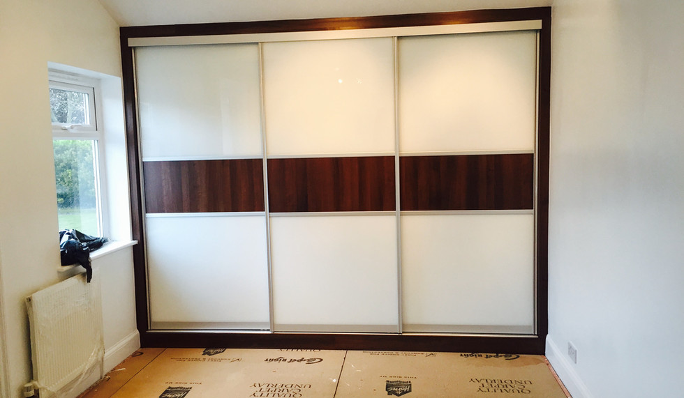 Full Wall Fitted Wardrobe