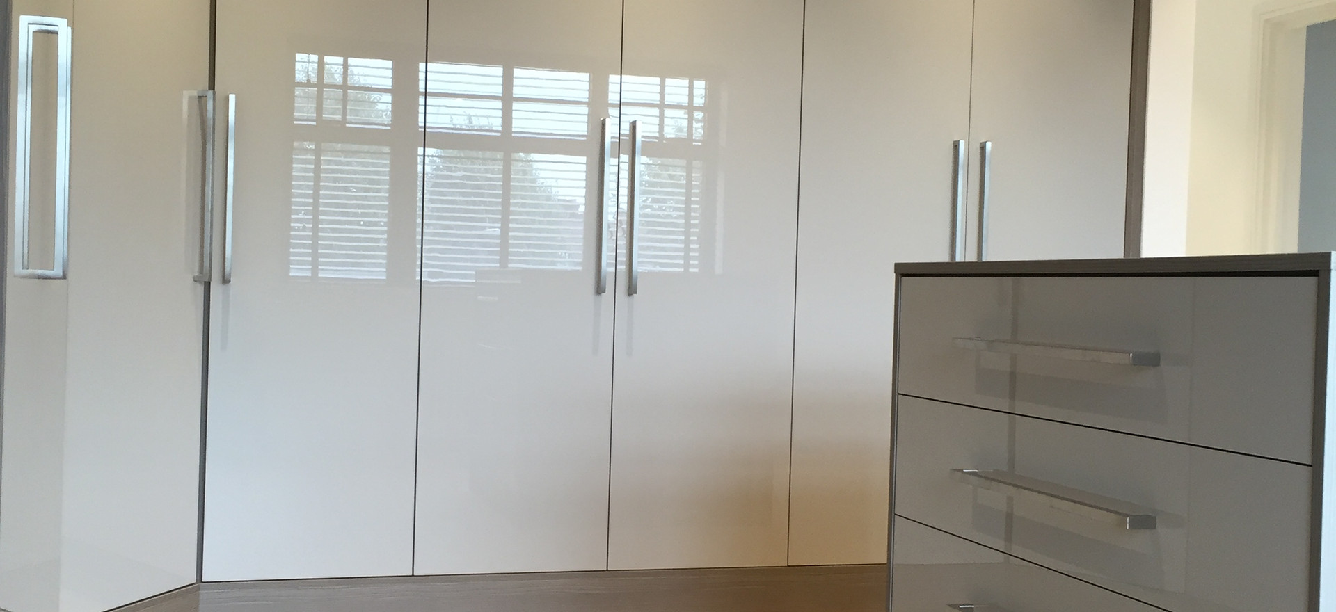 Fitted Curved Wardrobes