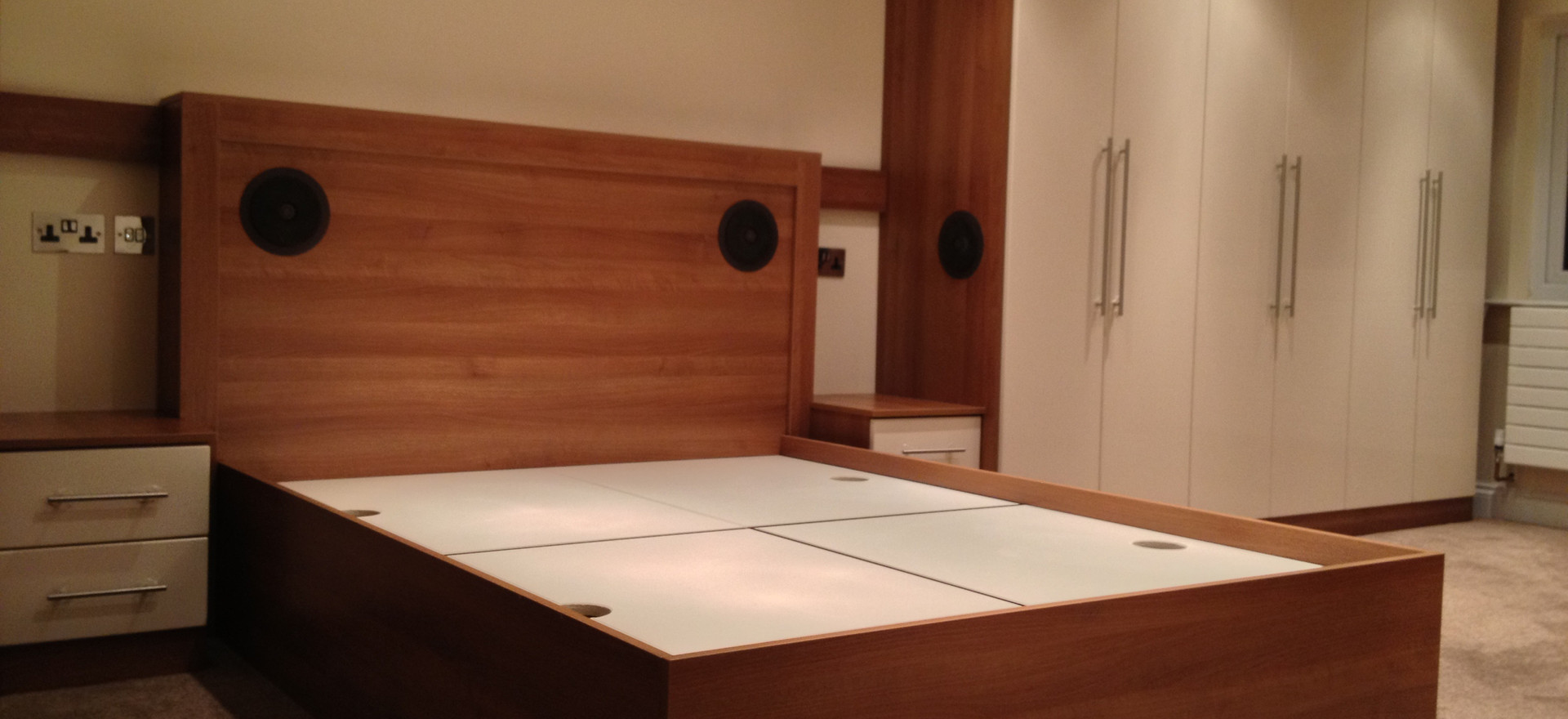 Wardrobes, Bed and Drawers