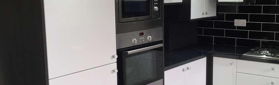Fitted Cooker and Microwave Units
