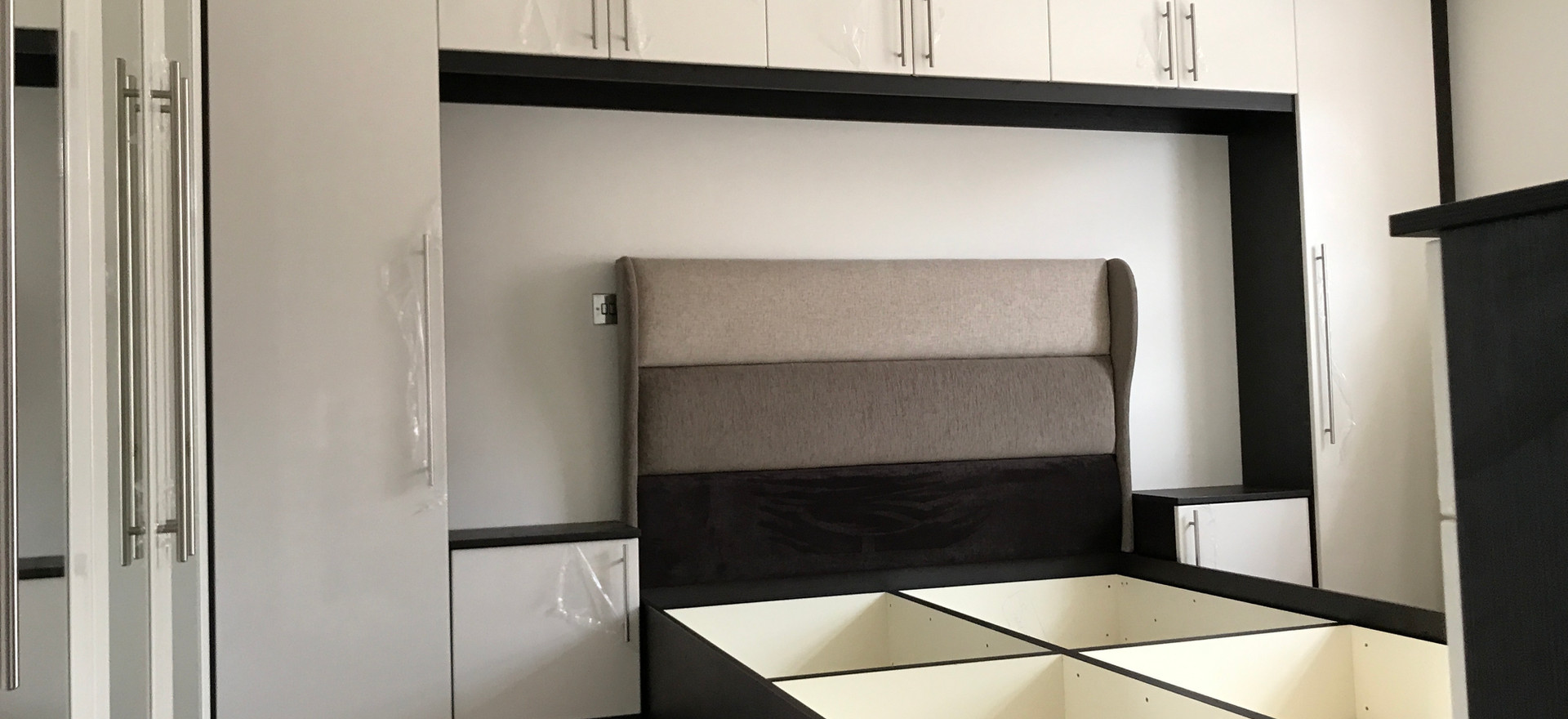 Fitted Cabinets Around Bed