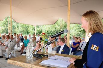 Huwelijksceremonie den hout strandpaviljoen