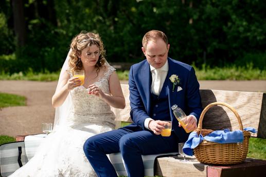 trouwfoto's in zwijndrecht - picknicken-
