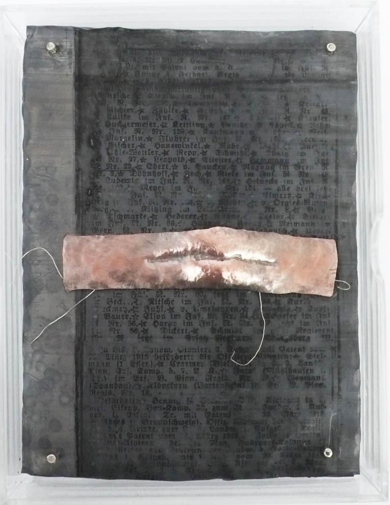 Monument Document (livre objet).jpg