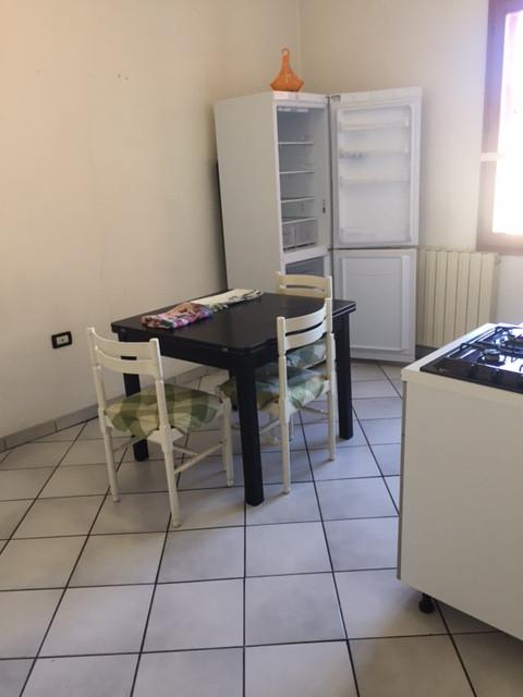 50 cucina prima.JPG