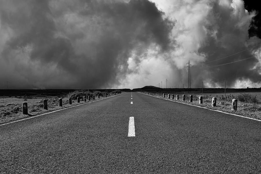 road b_w