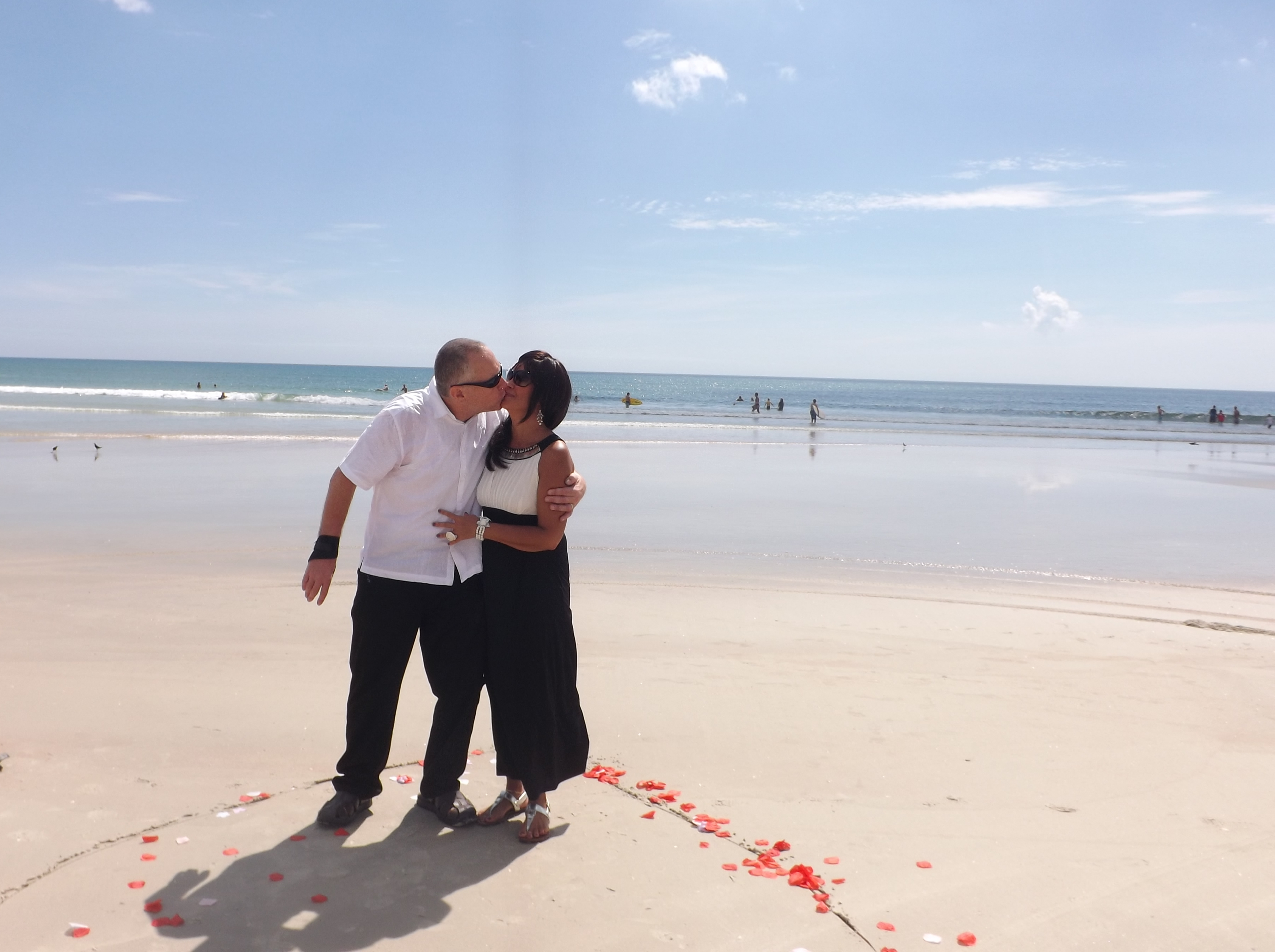 Kiss on the Beach Winnifred & David