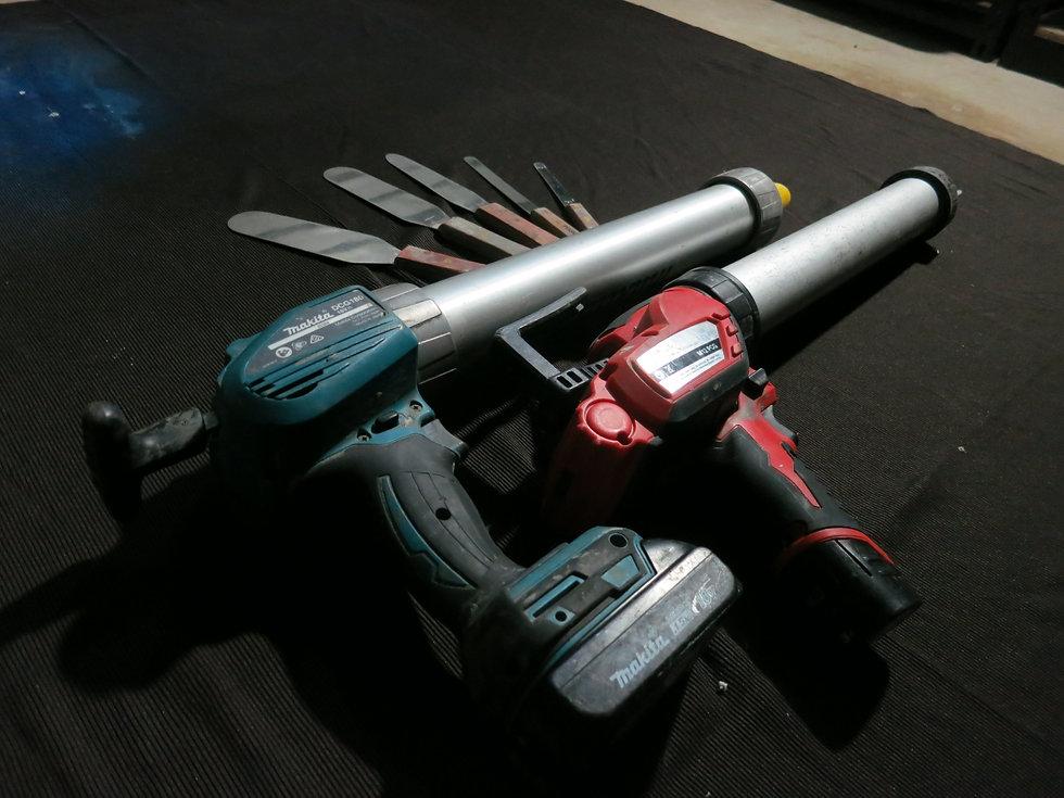 Caulking Joint sealing Gun and spatulas