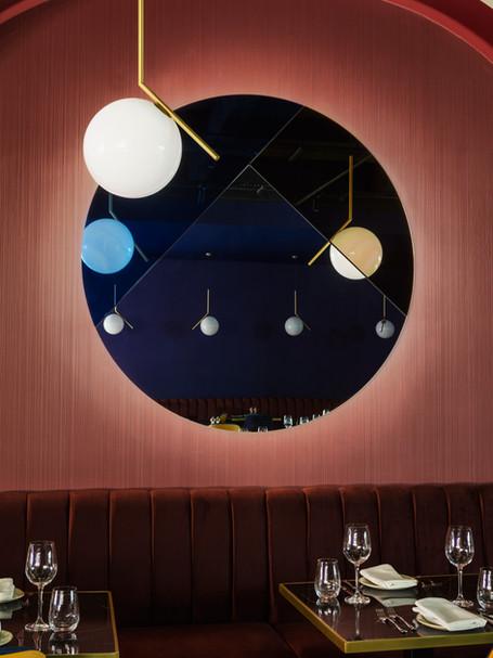 Yakut Restaurant, Commercial