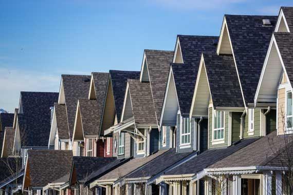 Immobilier: mieux vaut trébucher avant le précipice