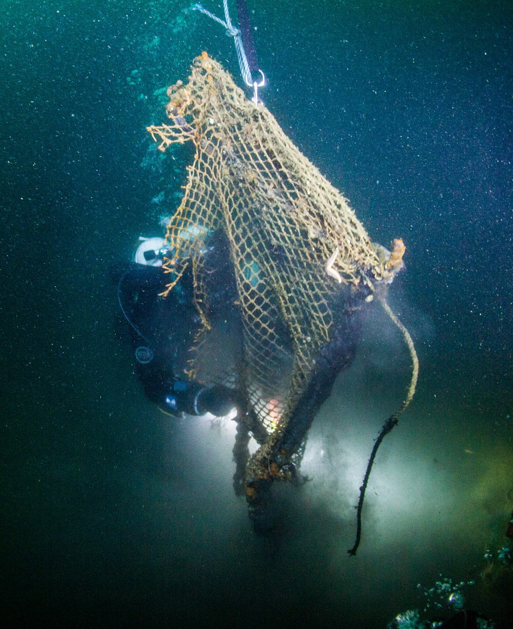 Winning image of a Ghost Fishing diver in Scapa Flow 2016