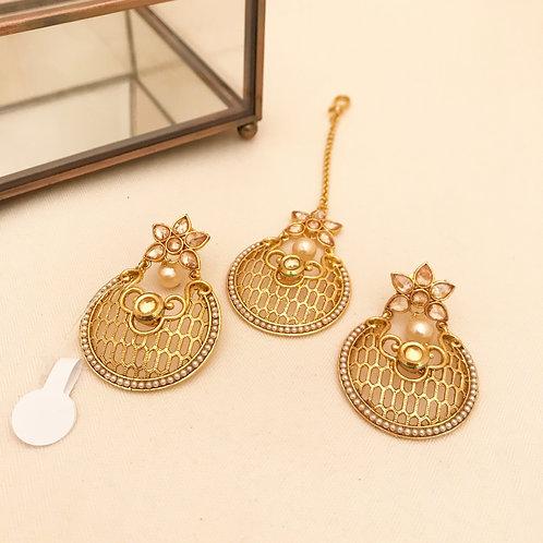 Small Earrings & Tikka Set