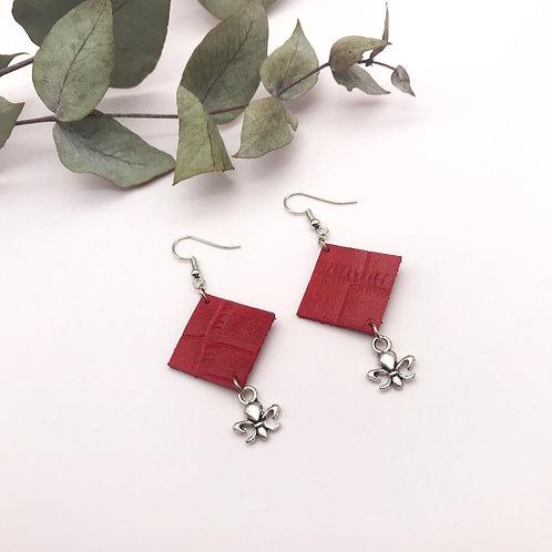 Boucles d'oreille - Quadra - Rouge - Fleur de lys - Argent Vieilli