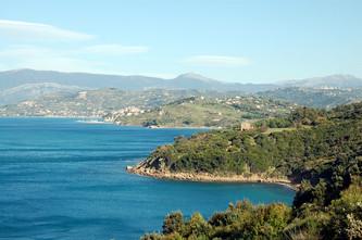 Mediterrane Landschaft pur: Wandern auf der Halbinsel Punta Tresino