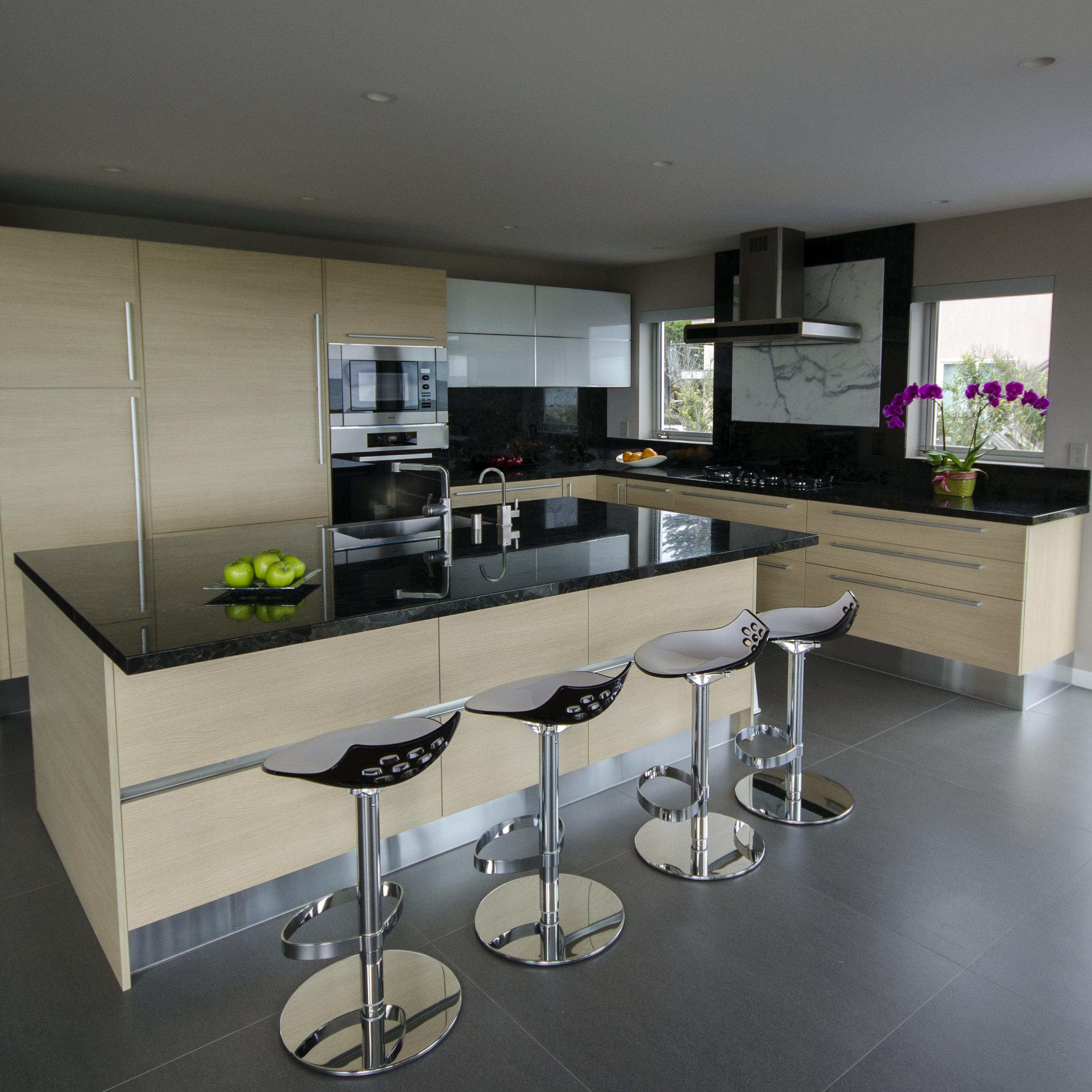 kitchen004_v2.jpg