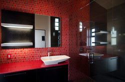 redbathroom_001.jpg