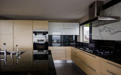 kitchen003_v2.jpg