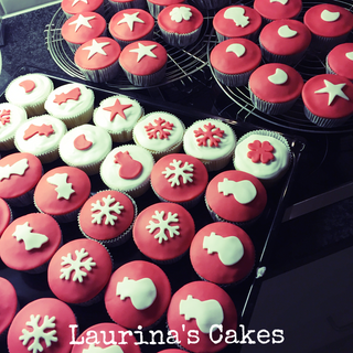 red_and_white_christmas_cupcakes
