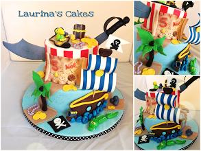 pirate cake.png