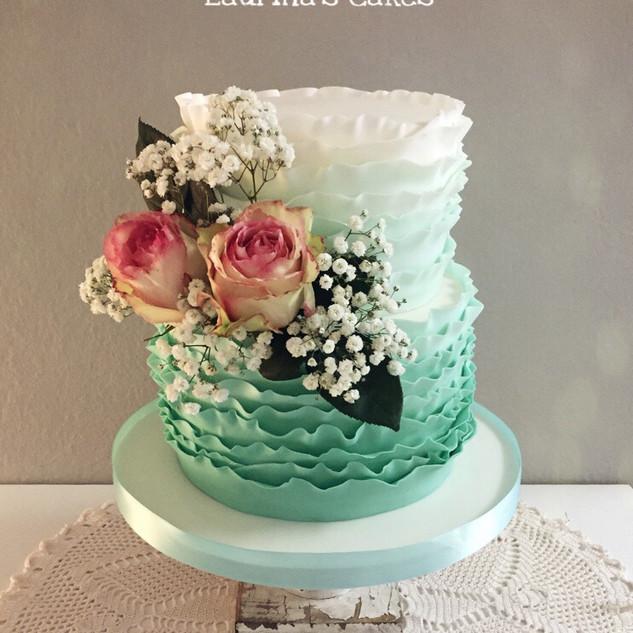 volants roses ombre wedding cake.JPEG