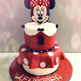 Minnie mouse torte rot.jpeg