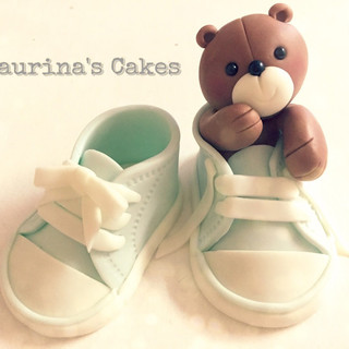 baby converse shoes.jpeg