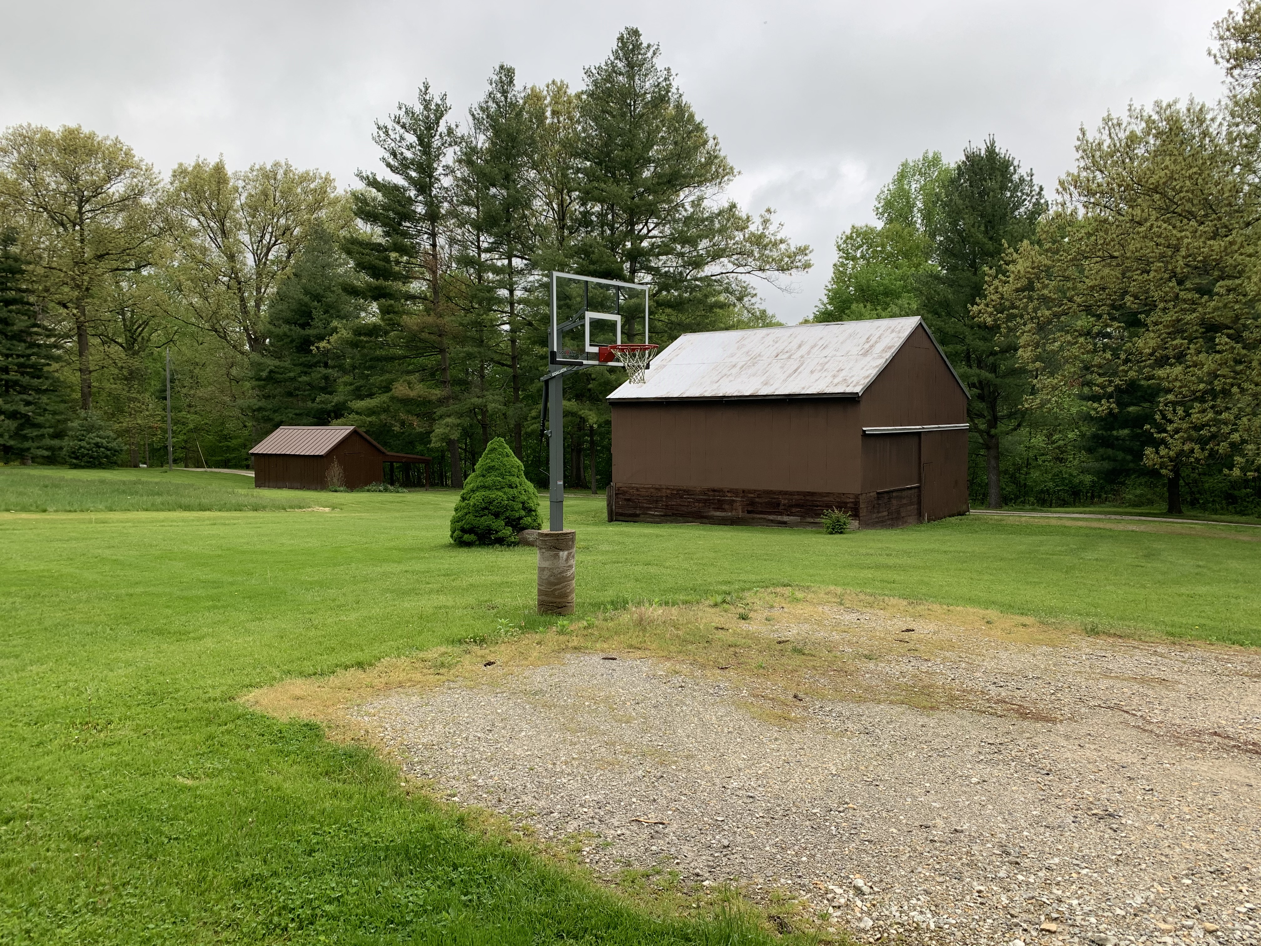 Hilltop Outside w/ Basketball Court