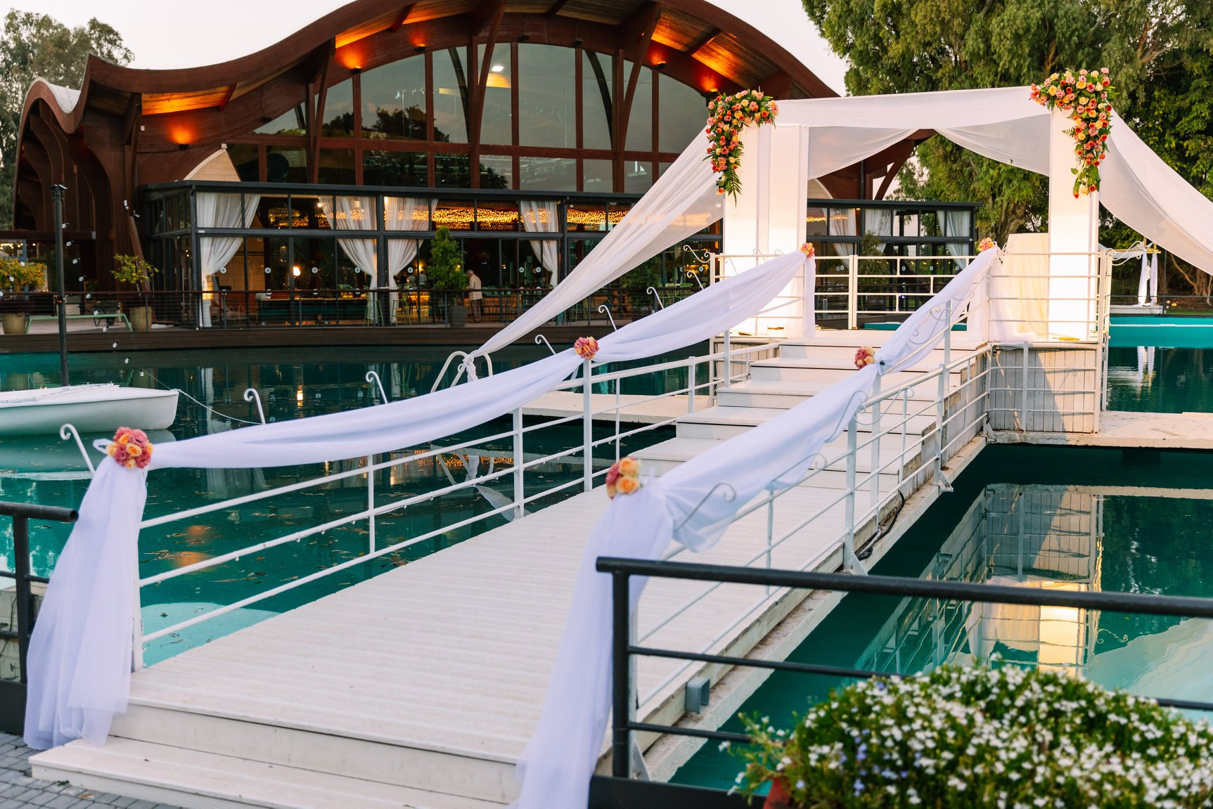 עדן גן האירועים - עדן על המים - גן אירועים לחתונה בשרון