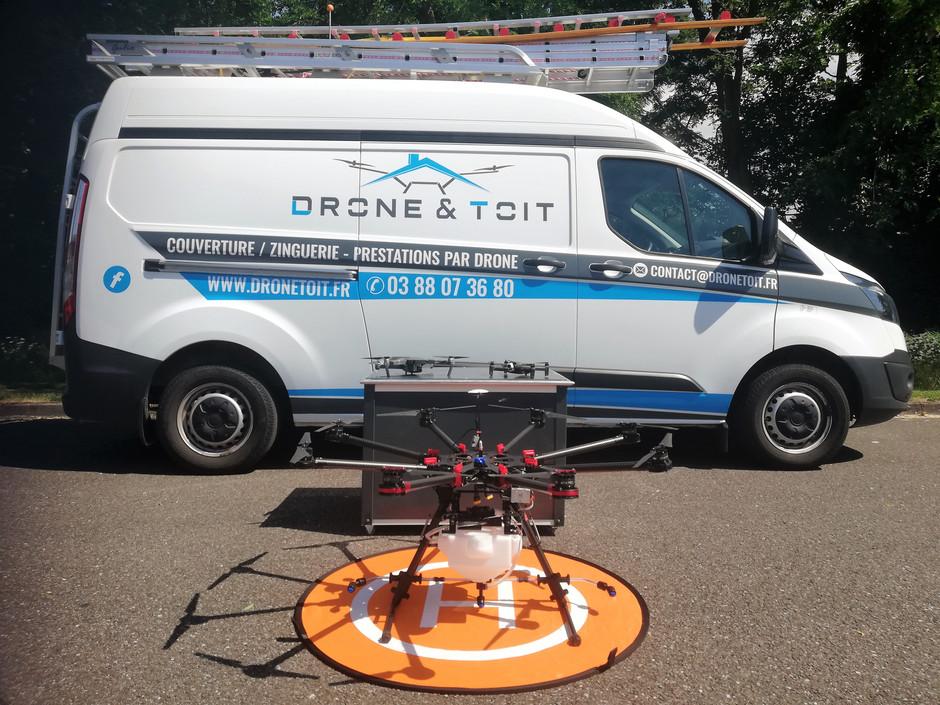 camionnette_drone_drone&toit.jpg