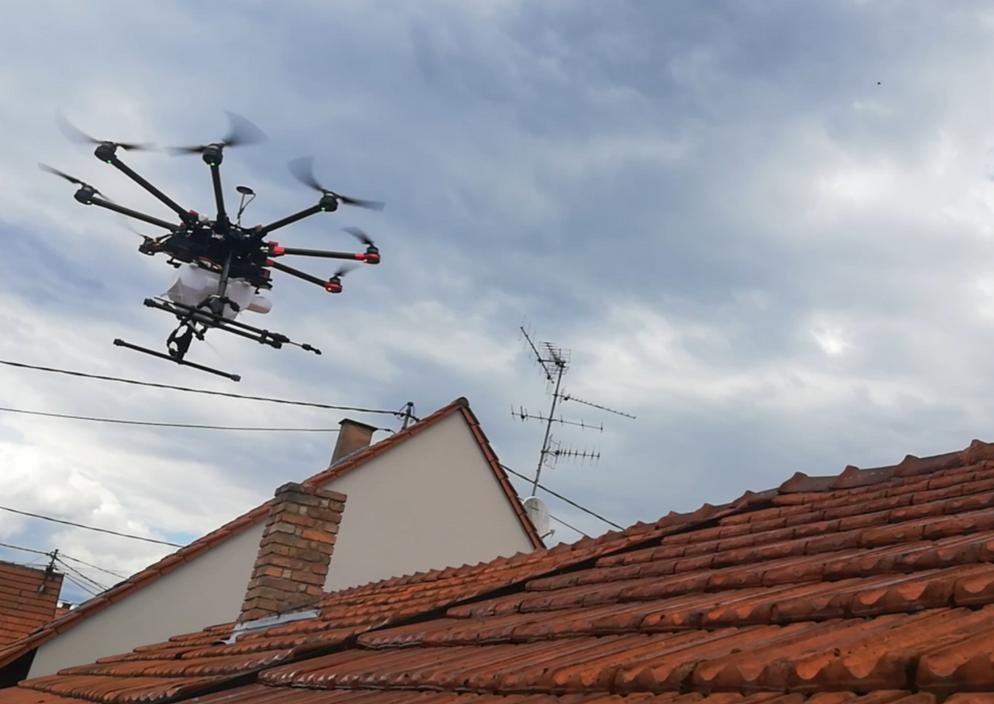 drone_nettoyage_drone&toit.jpg