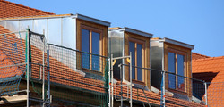 création lucarne de toit