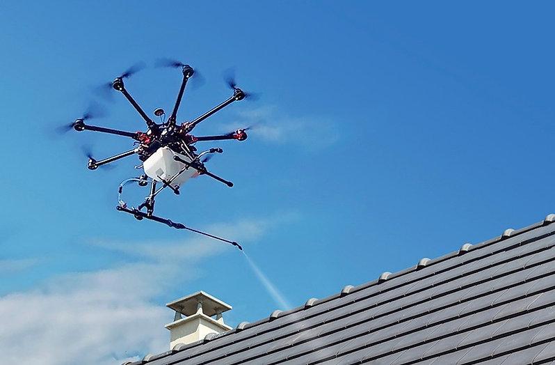 drone-démoussage-dronetoit.jpg