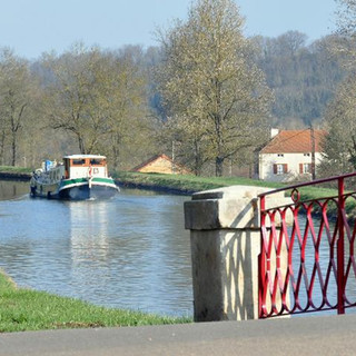 bateau-canal.jpg