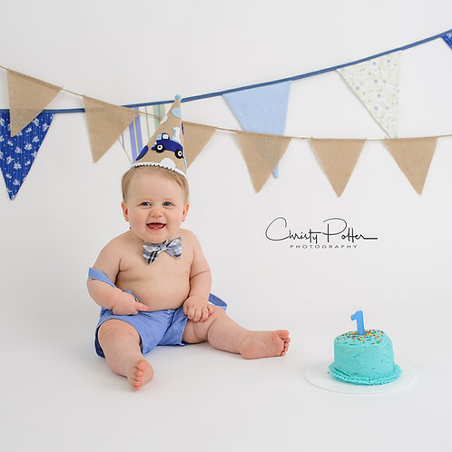 FIRST BIRTHDAY (CAKE SMASH) SESSION