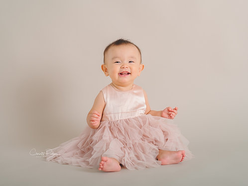 DELUXE ONE YEAR SESSION PACKAGE (5 Sessions Newborn-1yr)