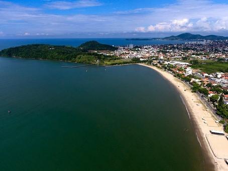 18 praias brasileiros recebem o selo ecológico Bandeira Azul