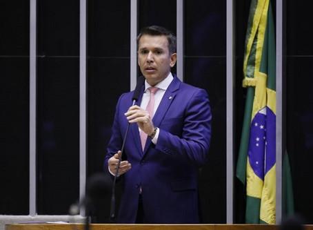 Câmara aprova MP sobre cancelamento e remarcações nos setores de turismo